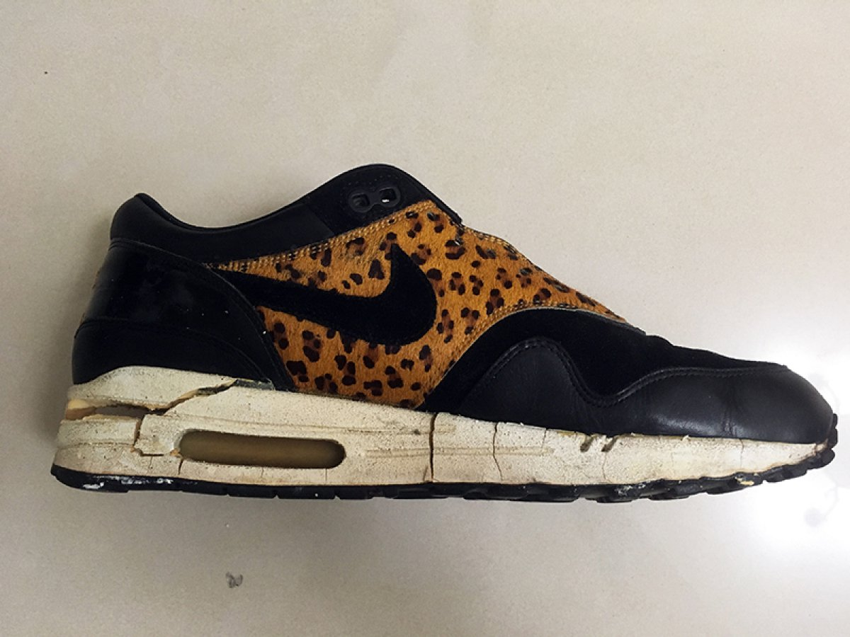 Our customer's Nike Air Max 1 Atmos Cracked while wrapped in plastic